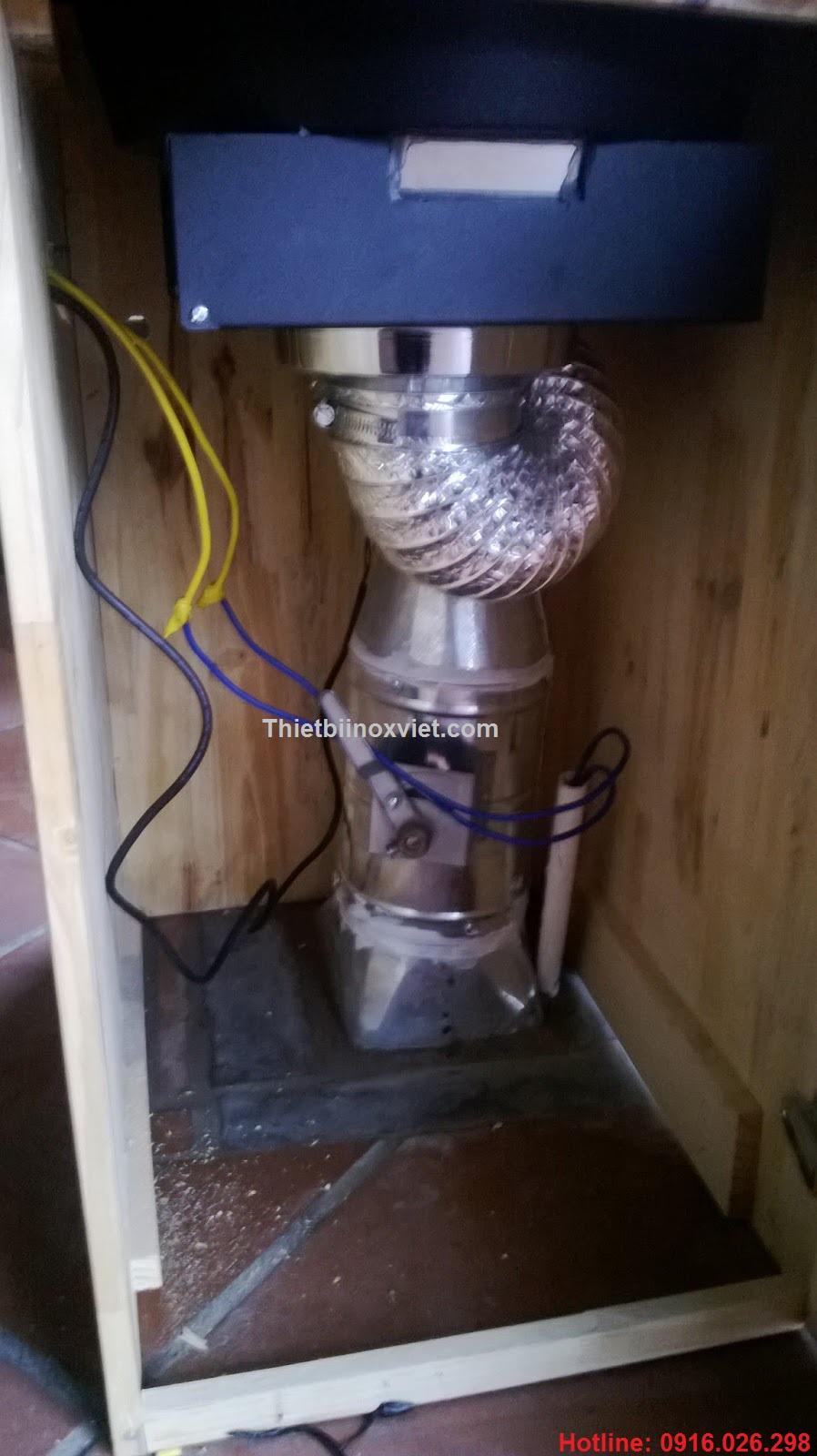 Hệ thống ống hút tại bàn bếp lẩu nướng không khói dùng than hoa