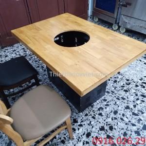 Bàn ăn mặt gỗ dành cho nhà hàng